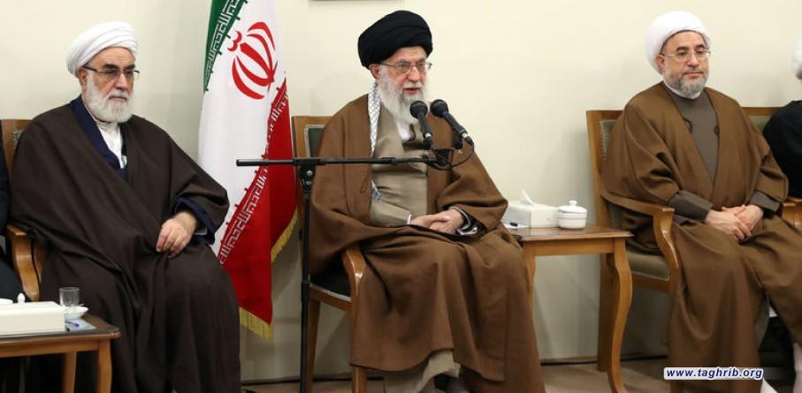 الإمام الخامنئي :تعزيز روح الجهاد والشهادة يمنع التوجه نحو الشرق والغرب