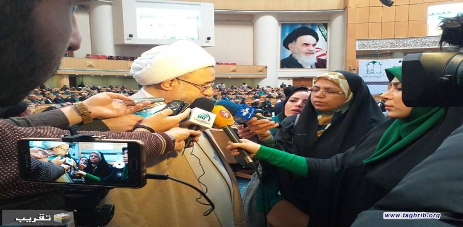 اتحاد سادات با یکدیگر در وحدت جامعه اسلامی موثر است