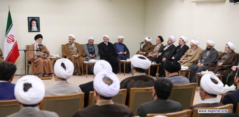 مسؤولية الحوزة ومكتب التبليغ الإسلامي هي الرّد على الأسئلة والإبهامات الدينيّة + صور