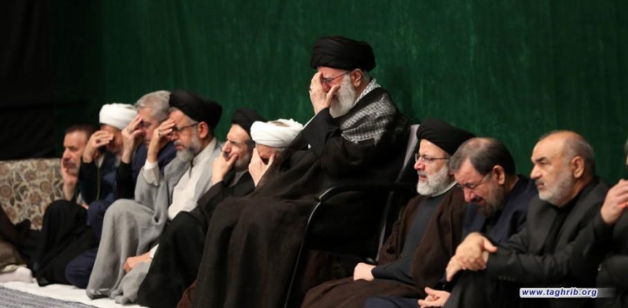 حسينية الإمام الخميني تحتضن الليلة الأولى لمجلس عزاء أبي عبدالله الحسين بحضور الإمام الخامنئي + صور
