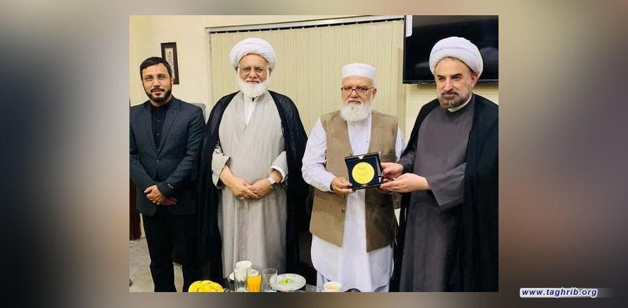 """الدكتور مختاري یقدم دعوة رسمية من قبل آیة الله الاراکی إلى """"لیاقت بلوش"""" لحضوره فی المؤتمر الوحدة الاسلامیة"""