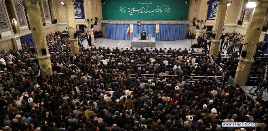 الإمام الخامنئي لدى لقائه ذاكري أهل البيت صمود الشعب الإيراني أمام ضغوط الغول الأمريكي المتوحّش أذهل العالم