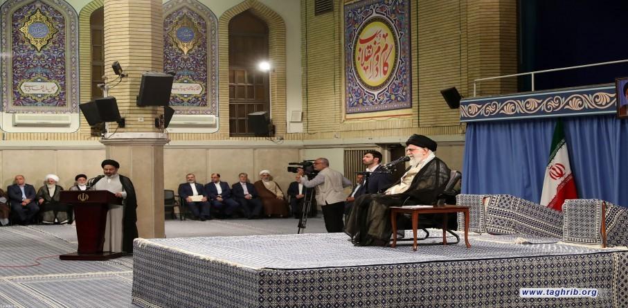 لقاء الإمام الخامنئي بالقائمين على شؤون الحج في الجمهورية الإسلامية