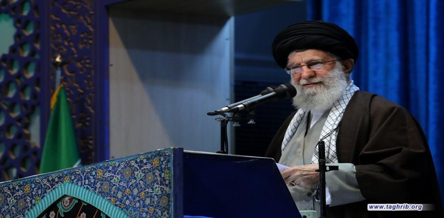 الإمام الخامنئي يؤمّ صلاة الجمعة في طهران