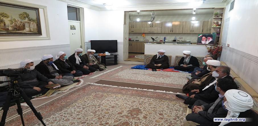لقاء الأمين العام الدكتور شهرياري مع امام جمعة مدينة باوه واعضاء مجلس رجال الدين
